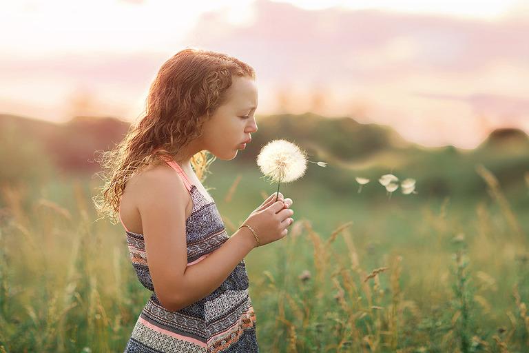 Child photo session at Malden Park in Windsor ontario at golden hour